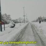 بارش سنگین برف ارتباط ۳۵ روستا ی گیلانغرب را قطع کرد/بارش برف وباران ادامه دارد