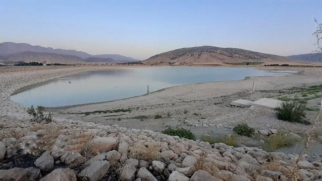 کاهش آب دایک سراب گیلانغرب و اختلال در شبکه آبیاری کشاورزان